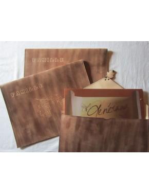 Etui cuir Prestige - vue dos, avec option gravure feuille de chêne et nom de famille